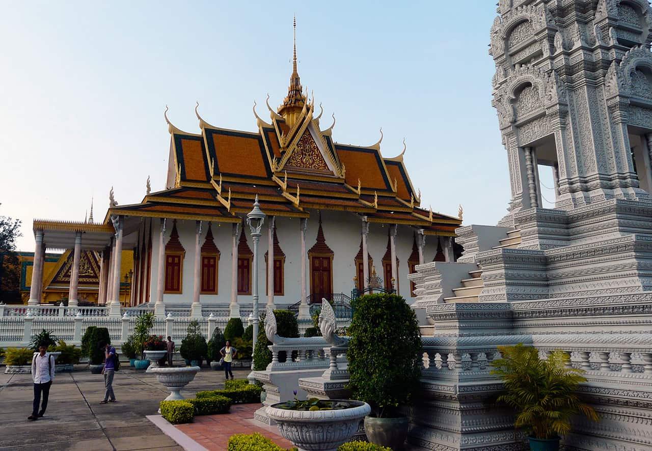 Het paleis (Royal Palace) en de Zilveren Pagoda