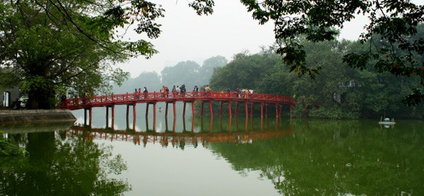 003 hanoi Huc-brug
