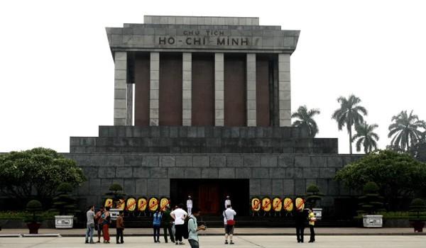 006 hanoi mausoleum