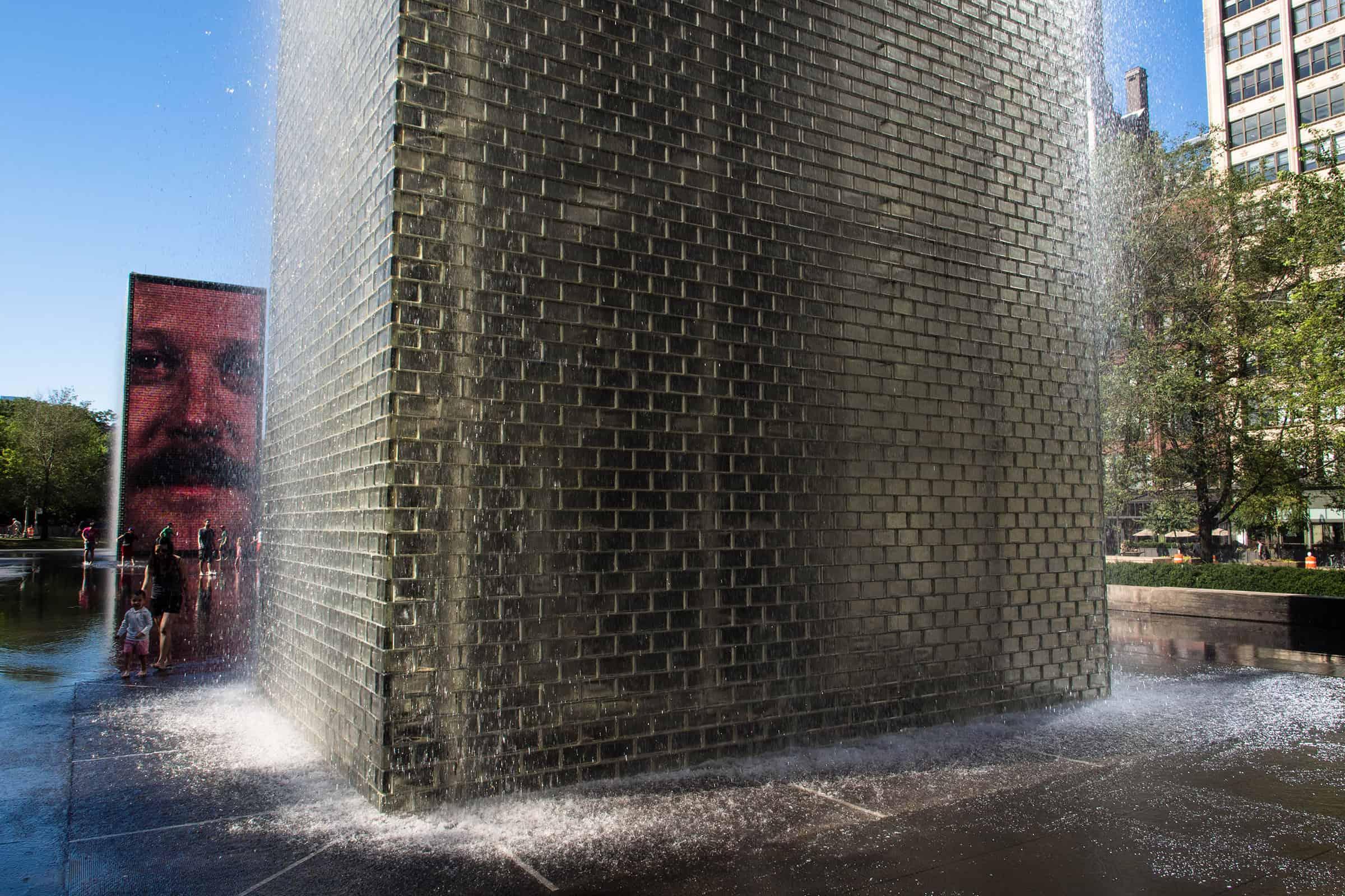 Crown Fountain bij het Millennium Park in Chicago
