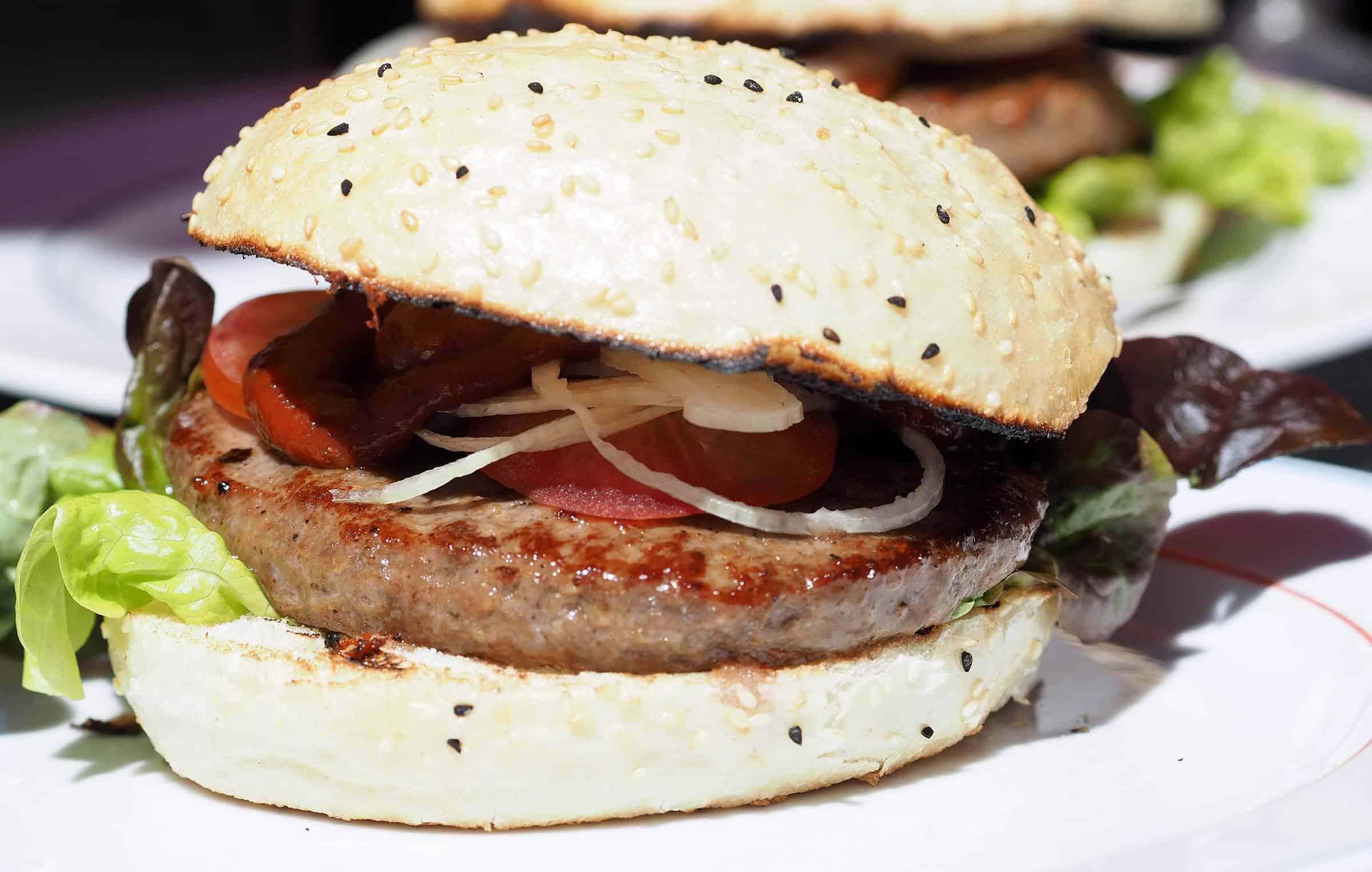 Lekkere hamburger bij Zur Goldenen Gams