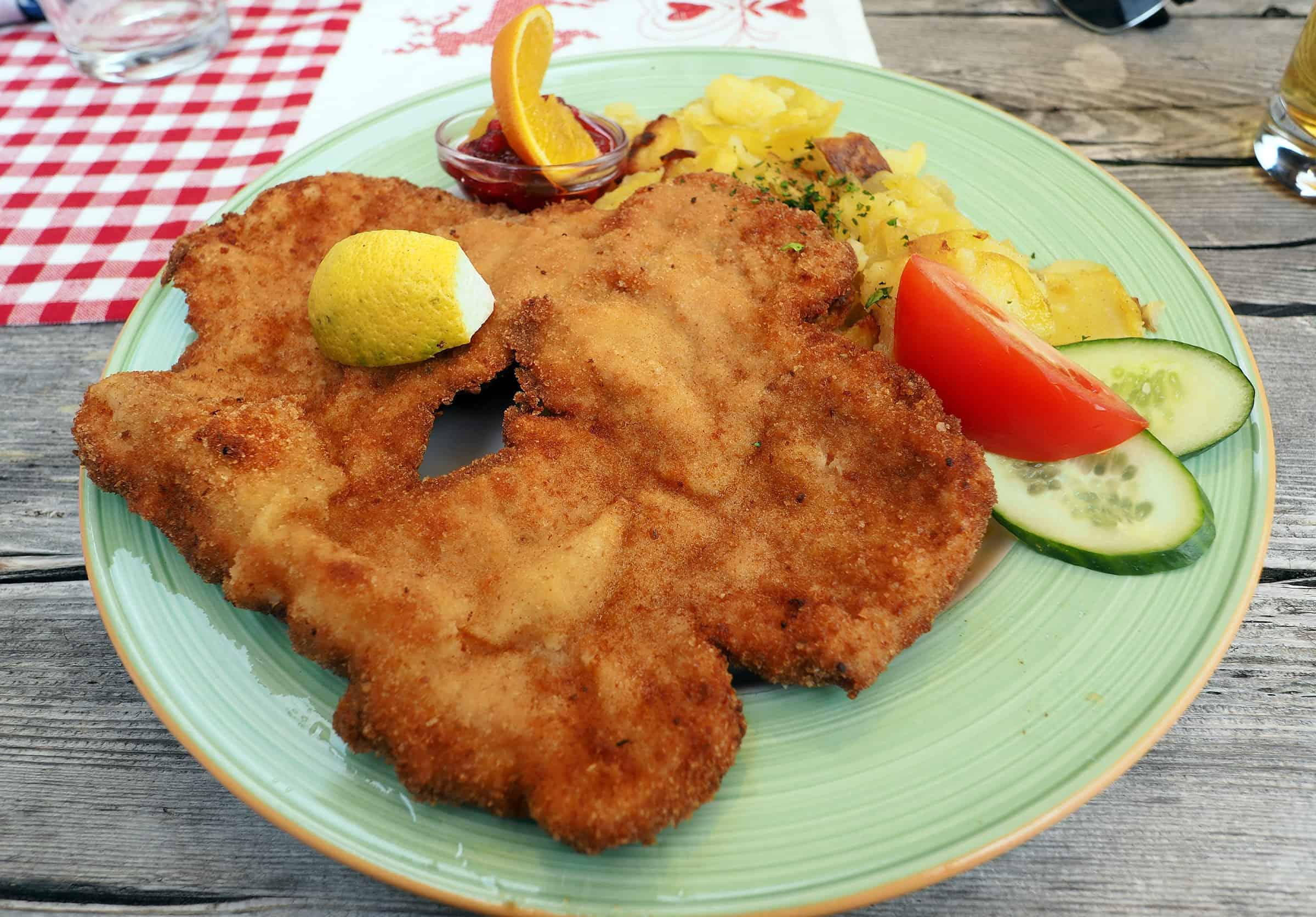 Heerlijk eten in de Franz Senn Hutte: Schnitsel