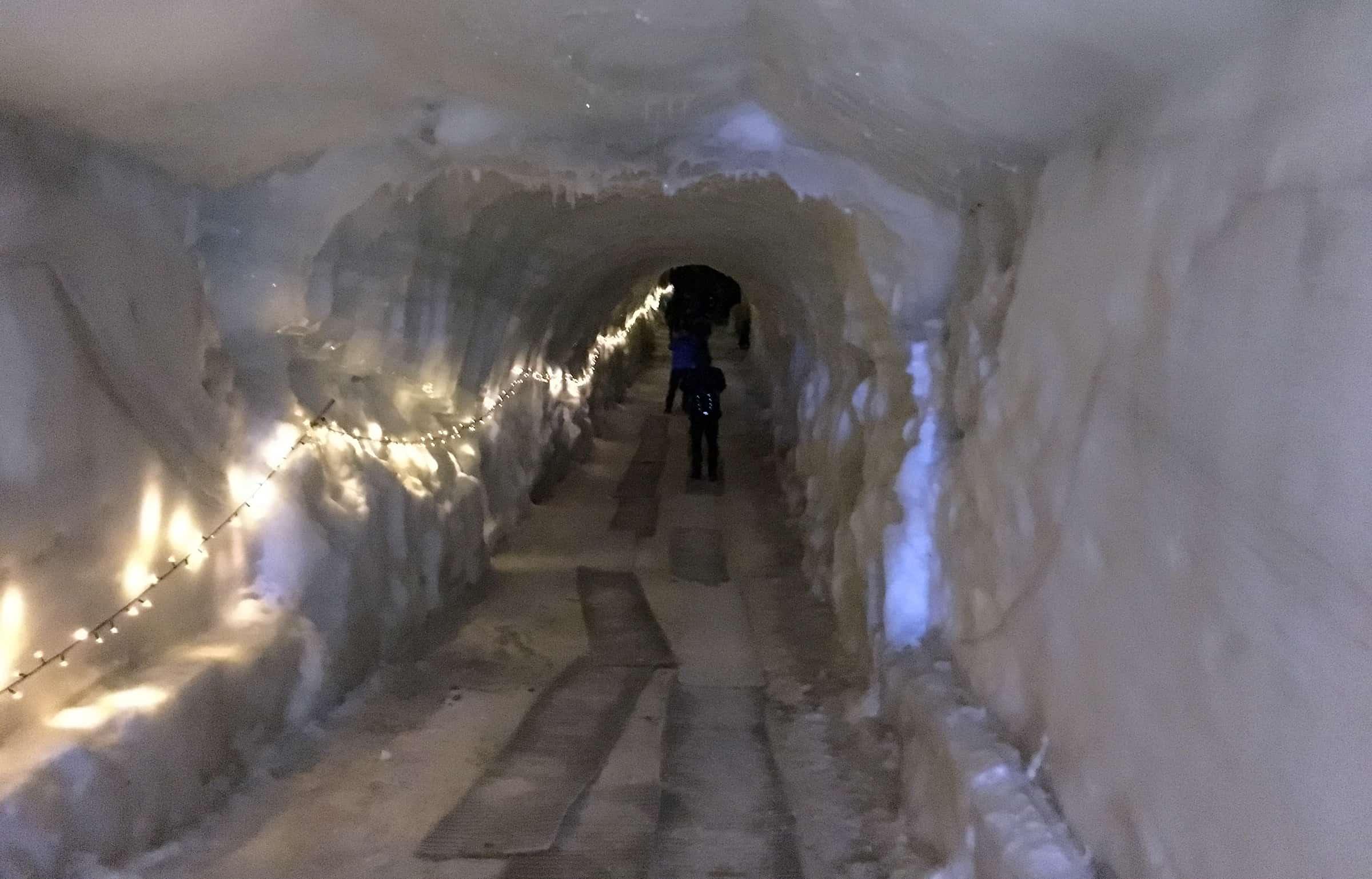 De gletsjertunnel gaat maar door